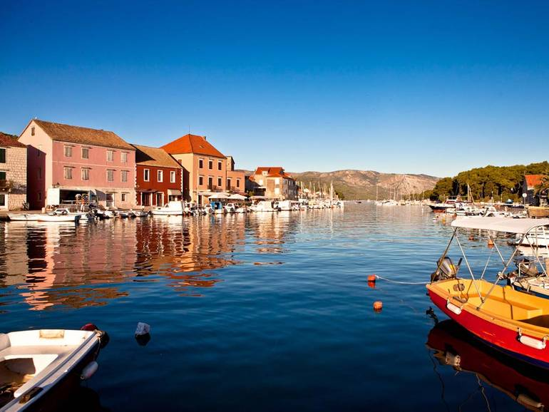 Sailing Croatia and Seeing History