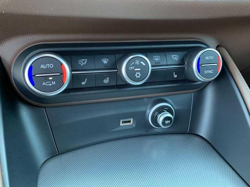 Alfa Romeo Stelvio 2.0 T AWD Super Veloce pack | Sportstoelen | Trekhaak | Adaptive cruise control | Leer afbeelding 13