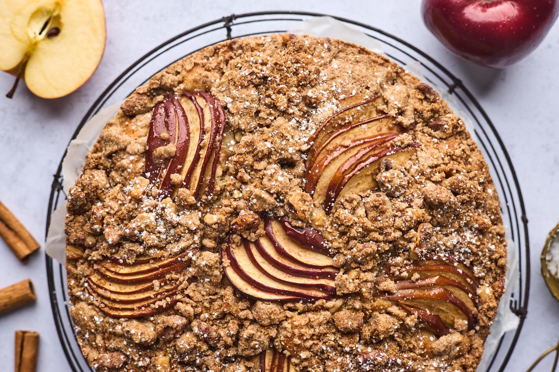 Greek Style Apple Cinnamon Cake (Milopita)