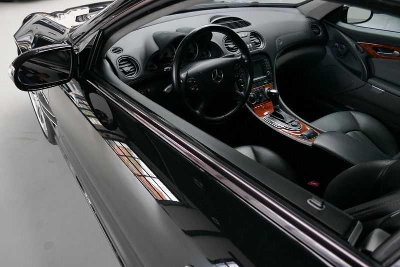 Mercedes-Benz SL-Klasse 65 AMG V12 afbeelding 24