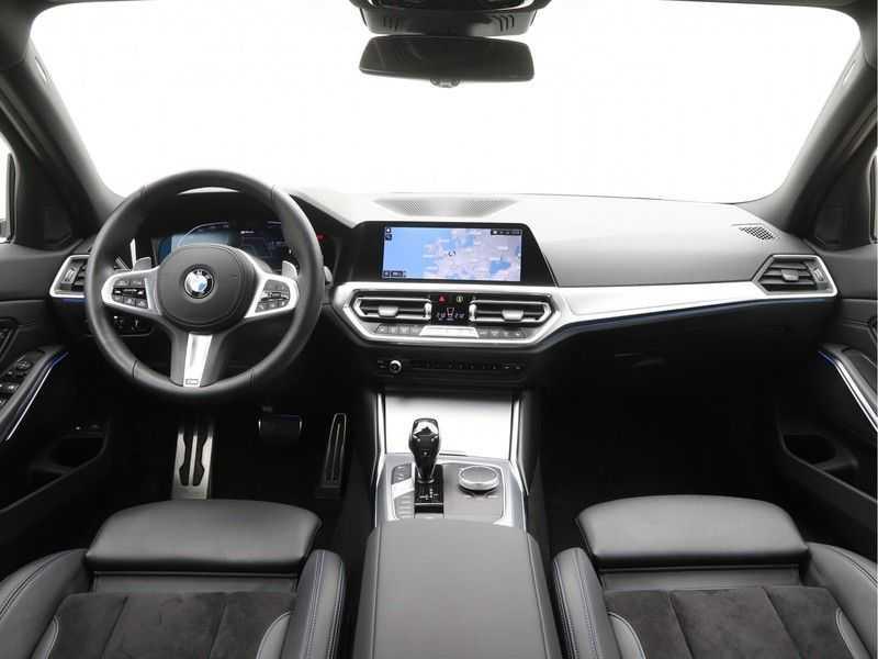 BMW 3 Serie Touring 330e xDrive Exe M-Sport Hybrid afbeelding 15