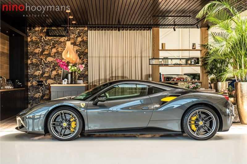 Ferrari 488 3.9 GTB HELE | Carbon | Passenger Display | Lifting | NP350.000,- afbeelding 9