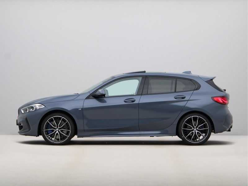 BMW 1 Serie 118i High Exe Edition Aut. M-Sport afbeelding 19