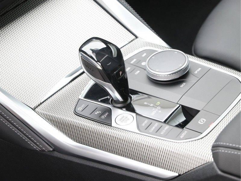 BMW 4 Serie 420i Coupé High Exe M-Sport Aut. afbeelding 15