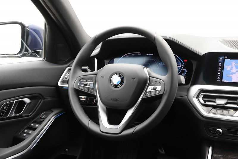 BMW 3 Serie 330e eDrive Edition High Executive afbeelding 13