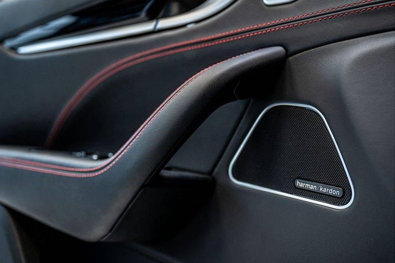 Maserati Levante 3.0 V6 D AWD | BTW | Black pack | Pano | Rood sticksel | Harman Kardon | Voertuigvolgsysteem | Nieuwe onderhoudsbeurt | afbeelding 17