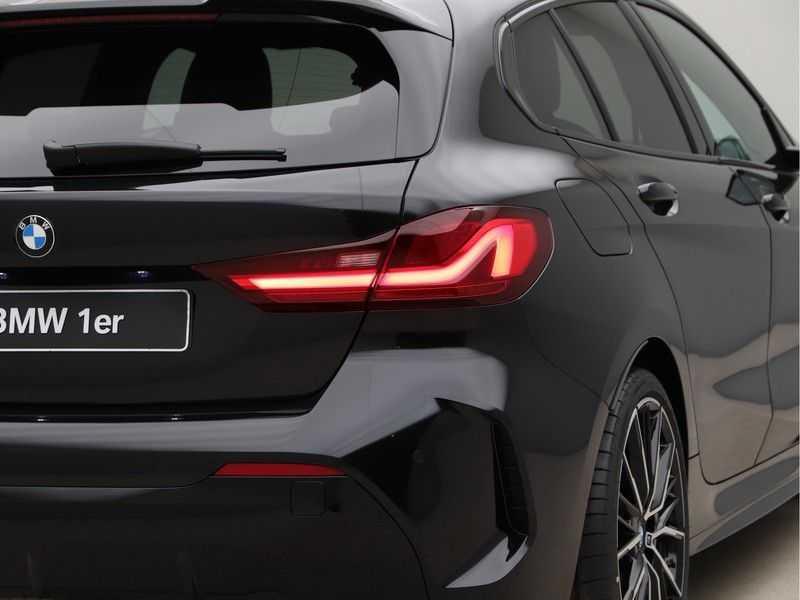 BMW 1 Serie 118i Corporate Executive M Sport afbeelding 16