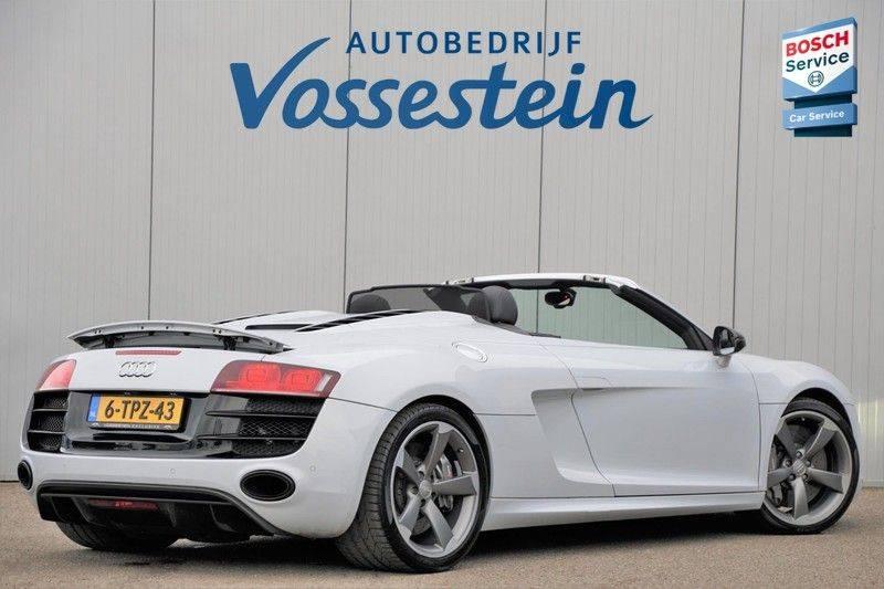Audi R8 Spyder 5.2 V10 FSI / Akrapovic / Carbon Pack / B & O / Ceramic / Camera / Audi Exclusive / Cruise afbeelding 8