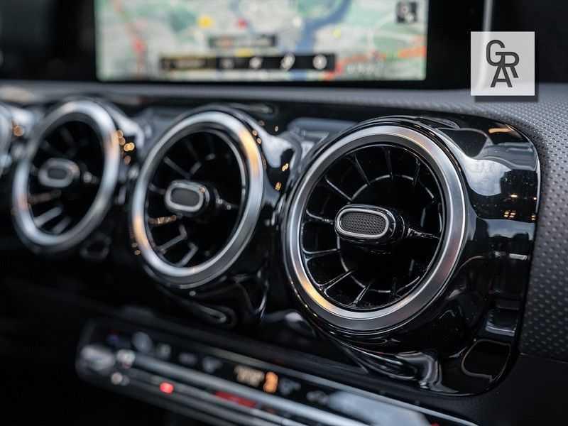 Mercedes-Benz A-Klasse A200 Launch Edition Premium Plus afbeelding 10