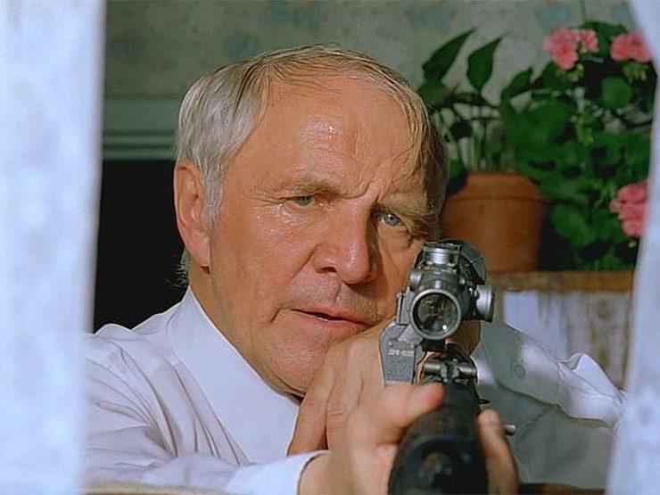 Кадр из фильма Станислава Говорухина «Ворошиловский стрелок»