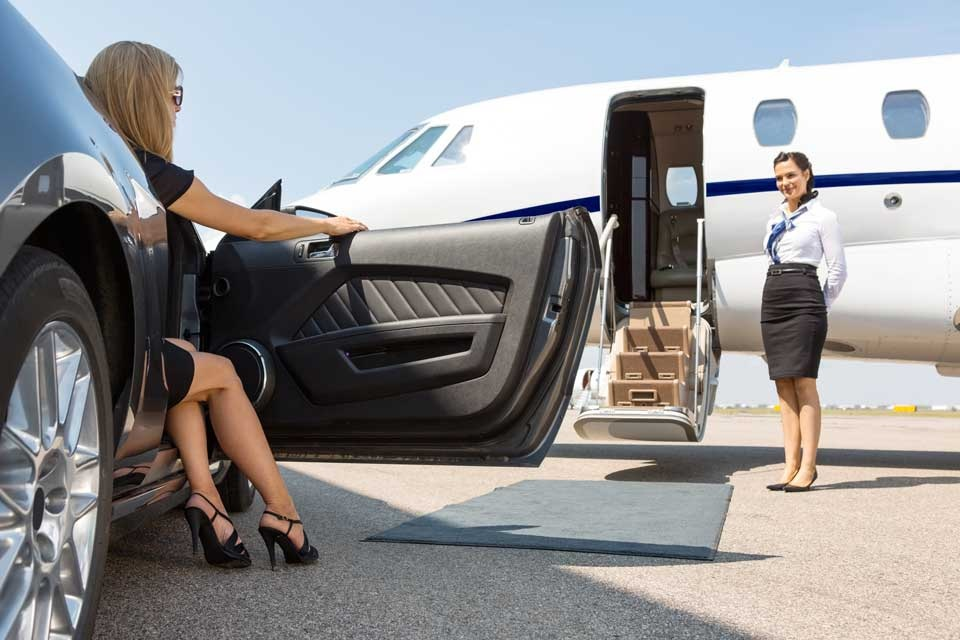 Why Choose Limo Service for Airport Transfer?