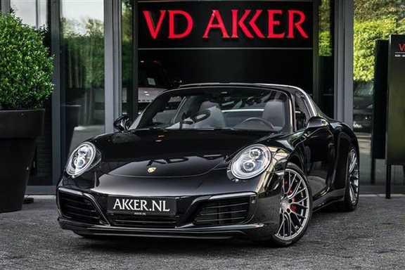 Porsche 911 TARGA 4 SPORT CHRONO+CAMERA+AKRAPOVIC