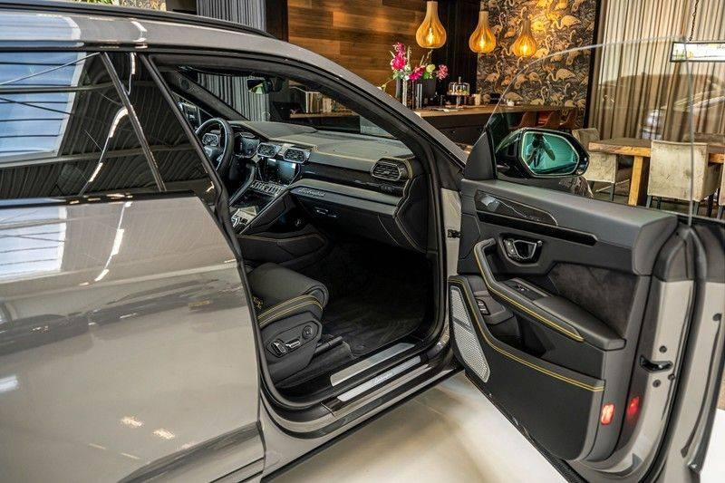 Lamborghini Urus 4.0 V8   Carbon interieur   Carbon exterieur   B&O 3D   Head-Up Display   Panorama   Massage   Ventilatie afbeelding 25