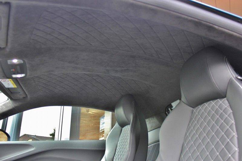 Audi R8 5.2 V10 Performance Quattro 620pk **Keramisch/B&O/Carbon/DAB/Camera** afbeelding 14