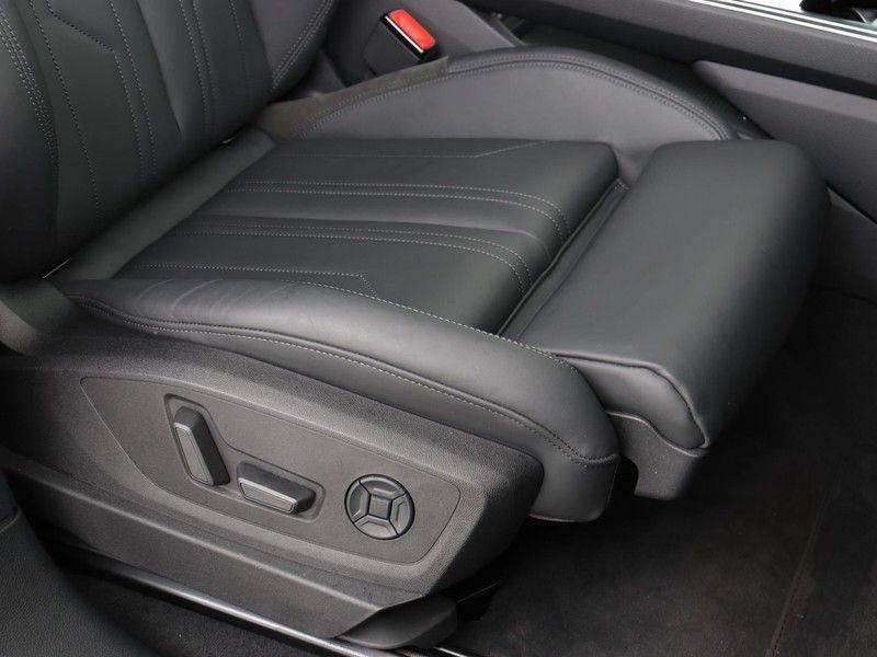 Audi e-tron 55 Quattro Incl. BTW | +/- €130 netto bijtelling| Camerabeeld spiegels | Adapt. Cruise | NAVI | Head-Up Display | 21 Inch | Matrix LED | 360 Camera | B&O | DAB | Keyless-Entry | Pano-Dak | afbeelding 22