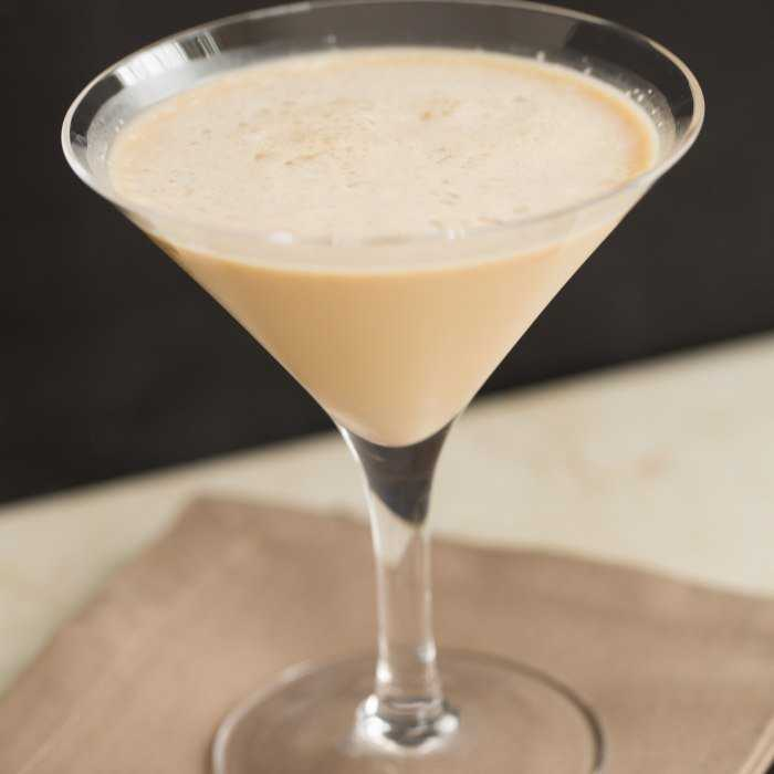 Amaretto And Cream Cocktail