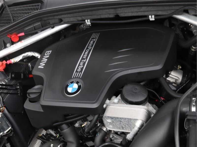 BMW X3 xDrive20i Exe X-Line Aut. afbeelding 4