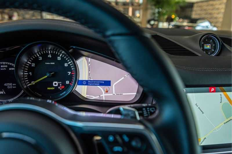 Porsche Cayenne E-Hybrid | Sport-Chrono | Panorama | BOSE | PASM | Adaptieve Sportstoelen afbeelding 15