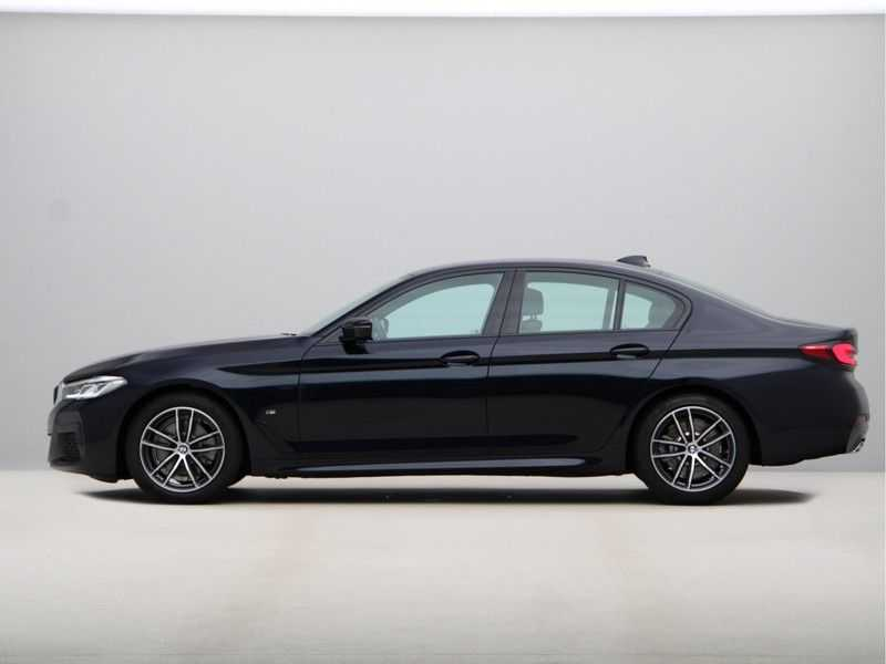 BMW 5 Serie 520i High Exe M-Sport Aut. afbeelding 11