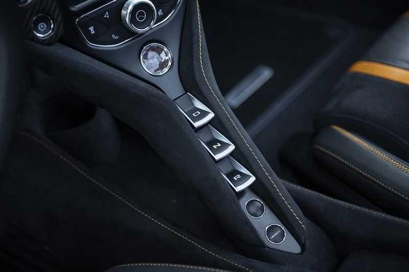 McLaren 720S 4.0 V8 Performance BTW + CF INTERIOR + LIFTING + SOFT CLOSE afbeelding 18