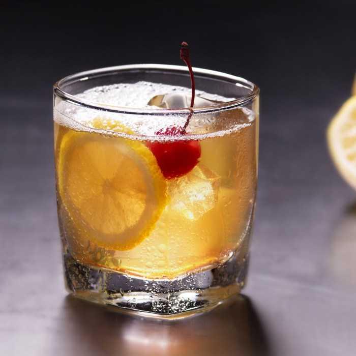 A True Amaretto Sour Cocktail