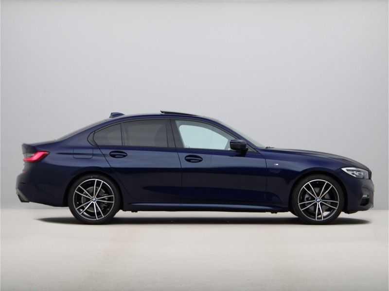 BMW 3 Serie 320i Exe M-Sport Aut. afbeelding 4