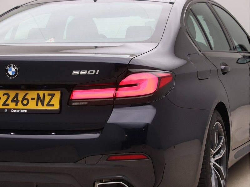 BMW 5 Serie 520i High Exe M-Sport Aut. afbeelding 20