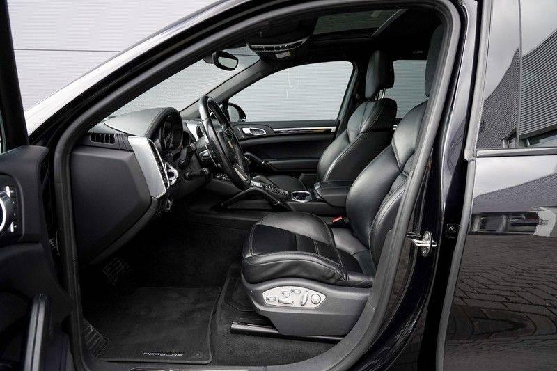 "Porsche Cayenne 3.0 D Facelift Luchtv. Pano Bose Sportchrono 21"" afbeelding 3"