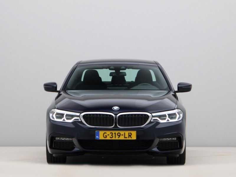 BMW 5 Serie 520i High Executive M-Sport afbeelding 8