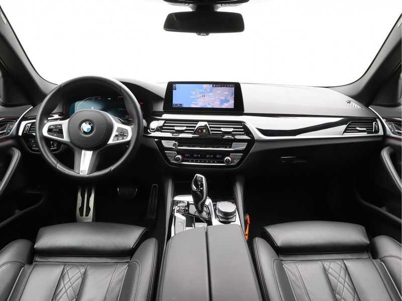 BMW 5 Serie 530i Aut. High Exe M-Sport afbeelding 13