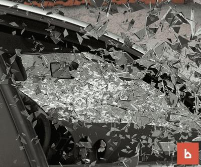 El siniestro de un coche con la puerta del garaje, ¿está cubierto por el seguro?