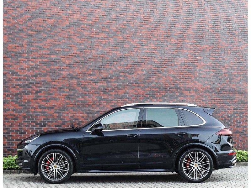 Porsche Cayenne Turbo *SportDesign*Pano*360cam*Chrono*Soft-Close* afbeelding 10