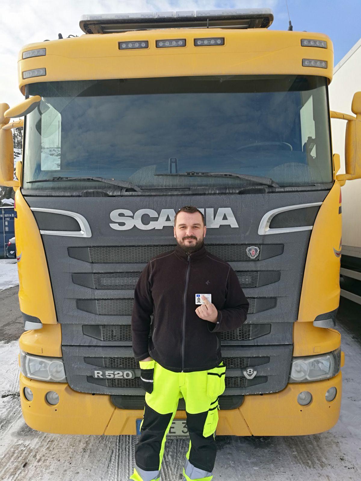 Foto:Dejan Bajic 37 år yrkesförarutbildning lastbil och släp