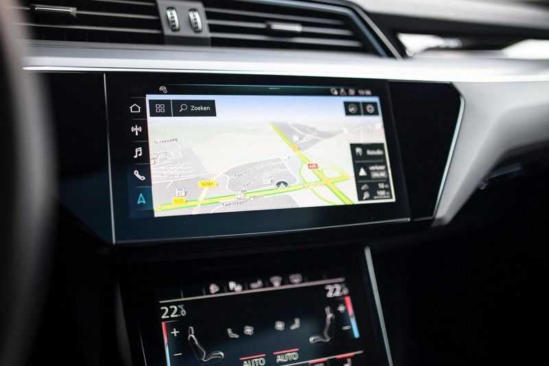 "Audi e-tron Sportback 50 Quattro S Edition *Pano / HUD / 21"" / Stad Pakket / DAB* afbeelding 9"