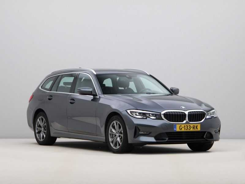 BMW 3 Serie Touring 330i Executive Edition afbeelding 4