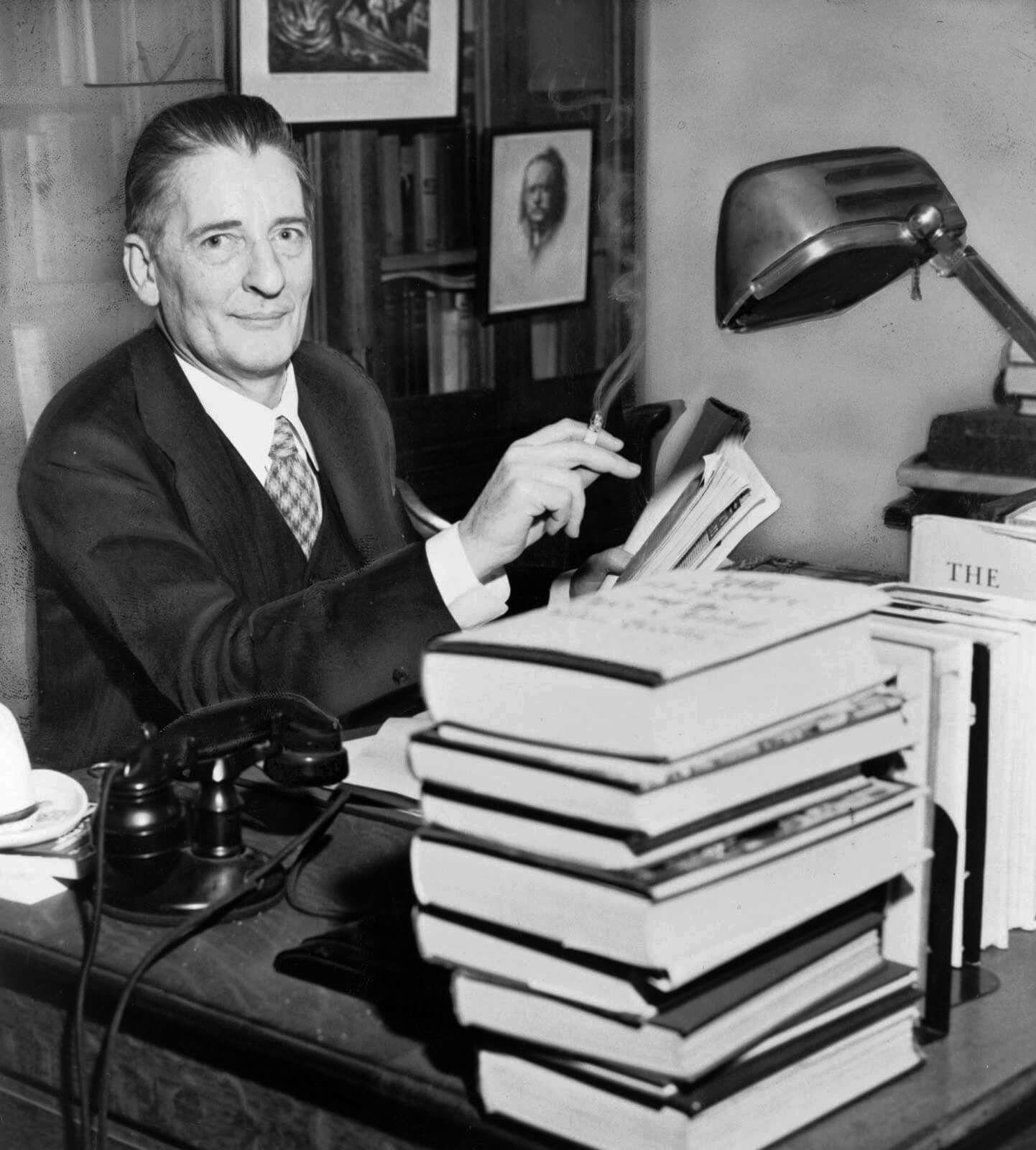 Максвелл Перкинс — влиятельный американский редактор, открывший многих выдающихся писателей первой половины XXвека. Источник: britannica.com