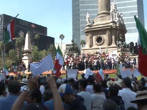 멕시코 전역서   '반트럼프'  시위