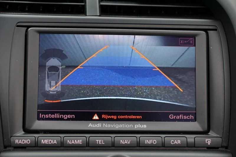 Audi R8 Spyder 5.2 V10 FSI / Akrapovic / Carbon Pack / B & O / Ceramic / Camera / Audi Exclusive / Cruise afbeelding 16