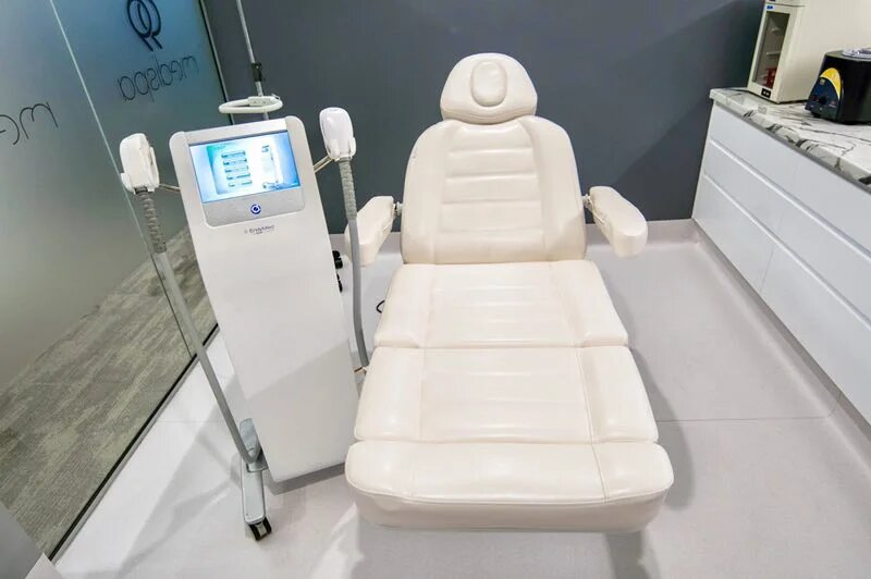 99 Medispa Clinic room with Endymed machine placed alongside a patient's chair