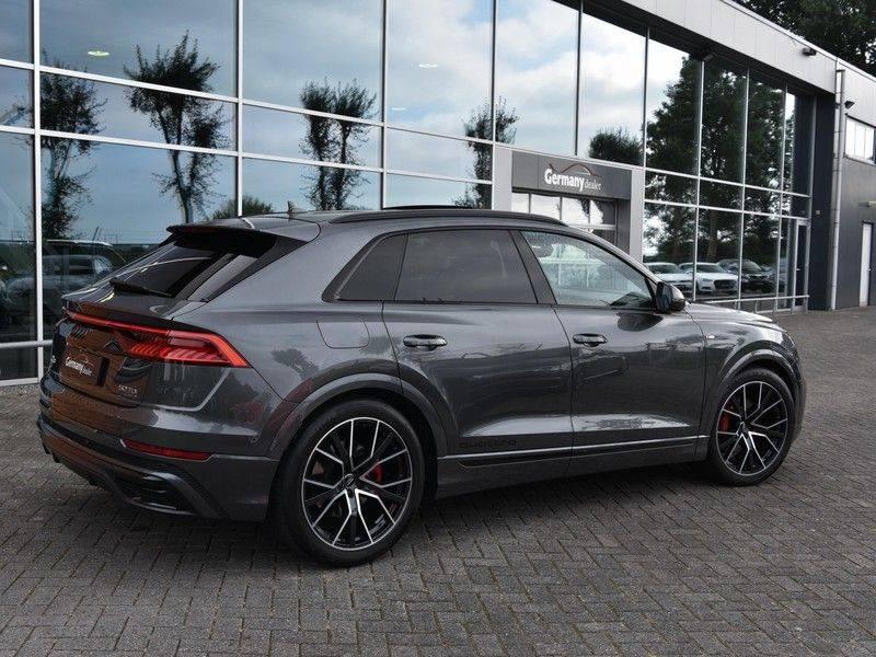 Audi Q8 50TDI 286pk Quattro S-Line Black Optic Lucht RS-Zetels B&O Pano Leder-Dash 22-Inch Soft-Close! afbeelding 2