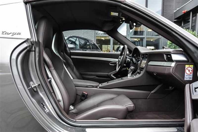 Porsche 911 TARGA 4S SPORT CHRONO+4WSTURING NP.201K afbeelding 17