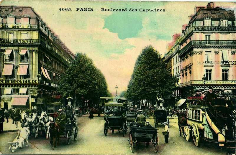 Old postcard, without publisher's mention, N°4065 Paris: Boulevard des Capucines, you can see the many modes of transport used at the time
