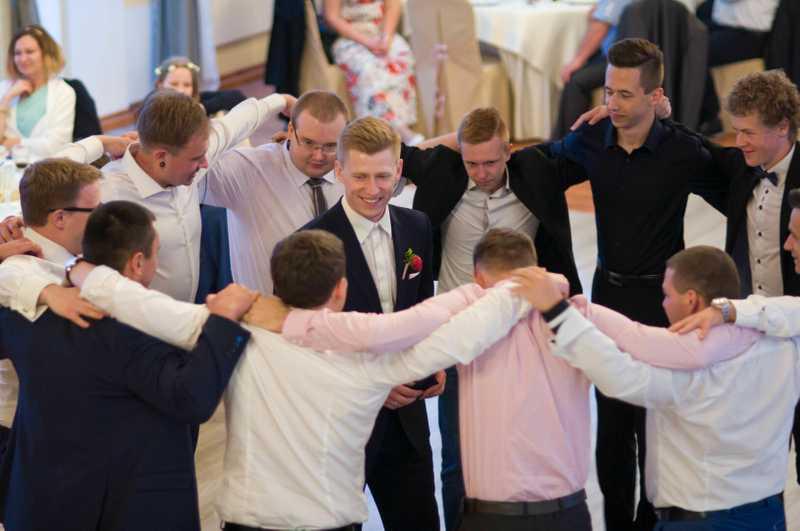 Zabawy na weselu oczepiny