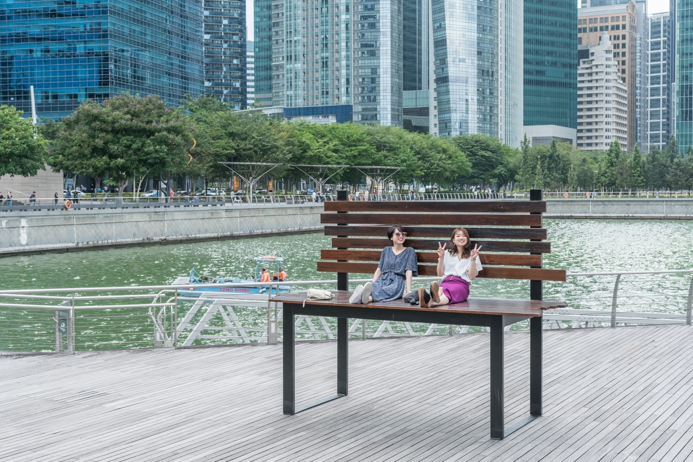 Horizon bench at Marina Bay