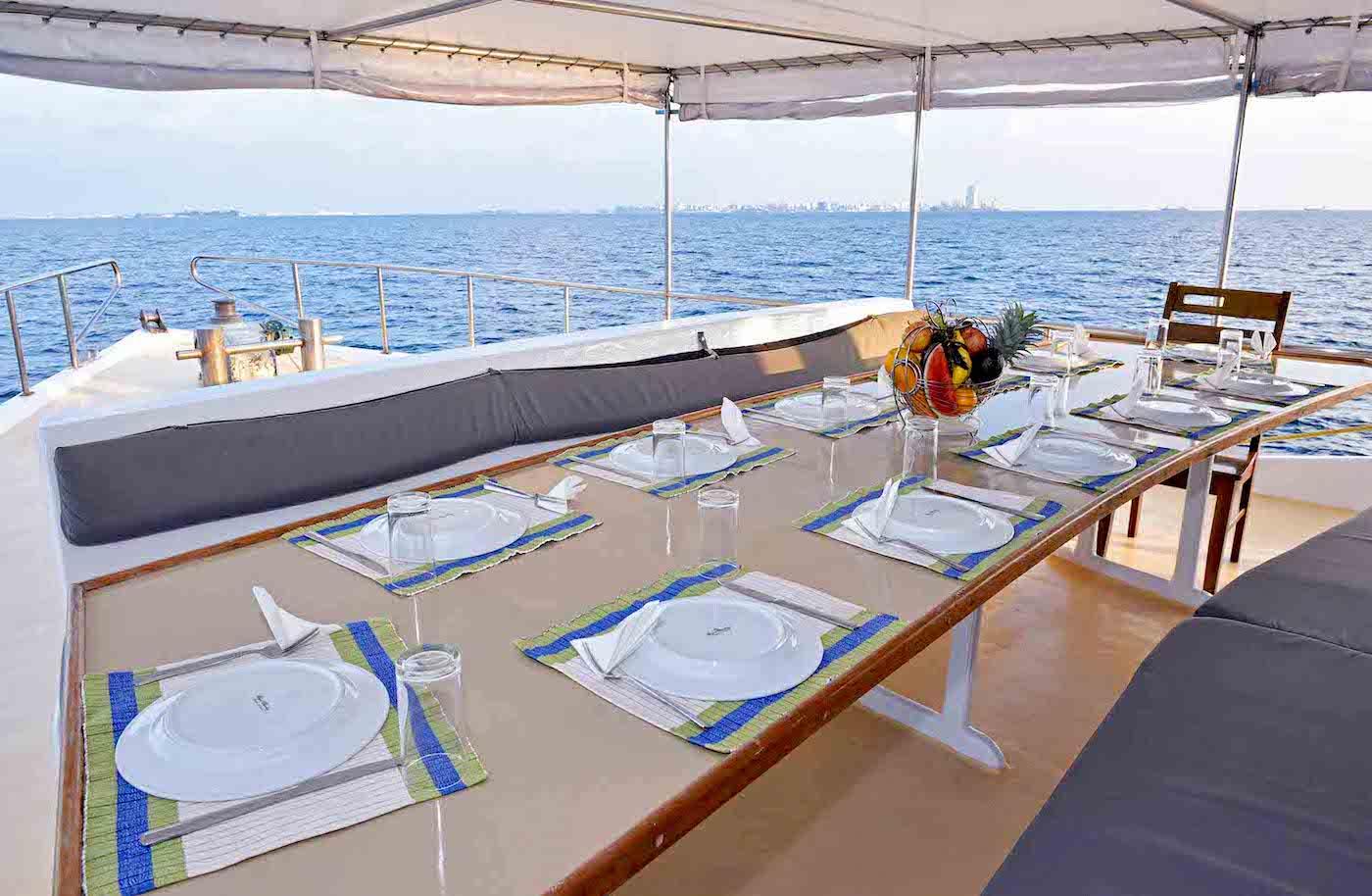Blue Horizon 2 Surf Charter Boat Maldives  Dining