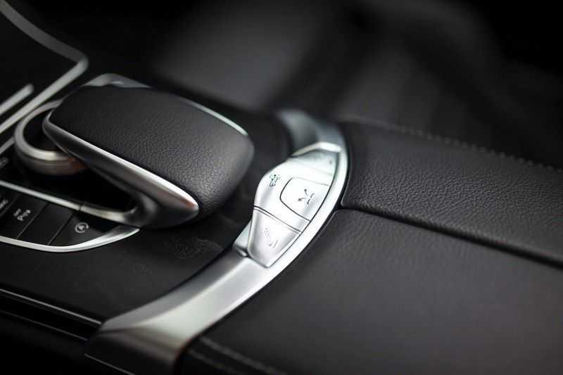 Mercedes-Benz C-Klasse Cabrio 180 Premium *AMG-Line / Airscarf / Keyless Go* afbeelding 22