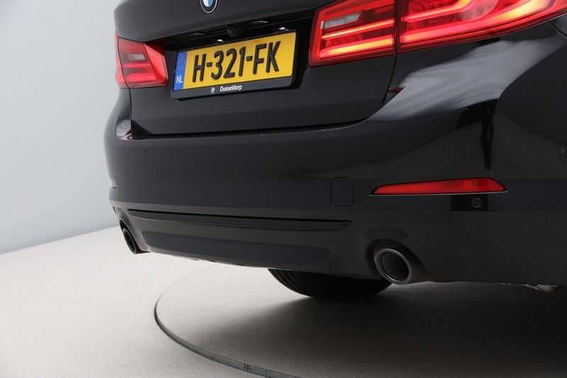 BMW 5 Serie 520i High Exe Sportline Aut. afbeelding 13