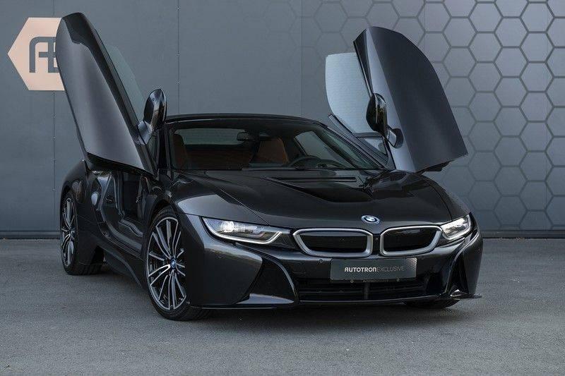BMW i8 Roadster Dry Carbon, Carbon interieur afwerking, Accaro fijn nappa leder, Progressive package , Laser LED Koplampen afbeelding 10