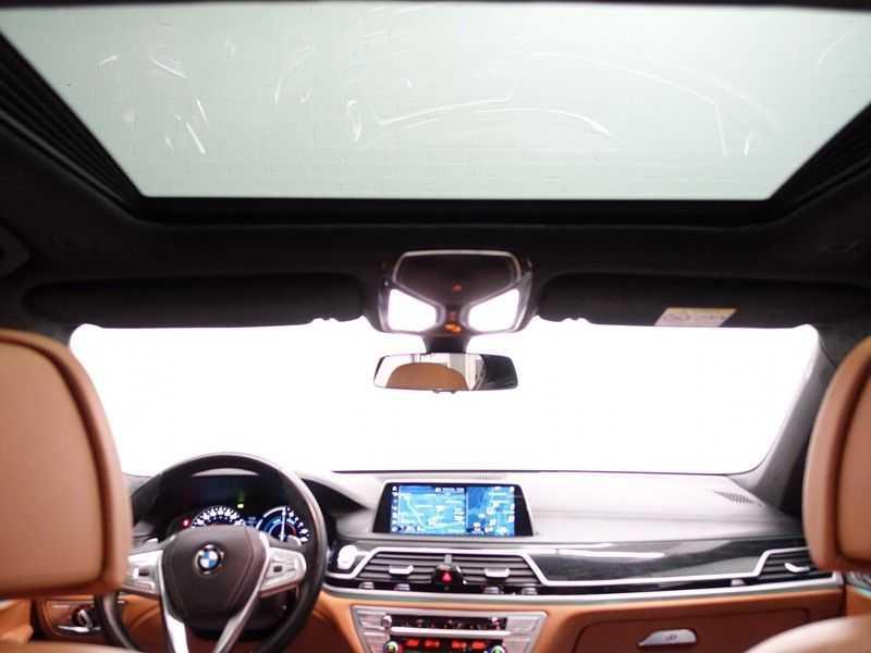 BMW 7 Serie 740e iPerformance Individual M-Sport 326pk Aut8- Full options! afbeelding 6