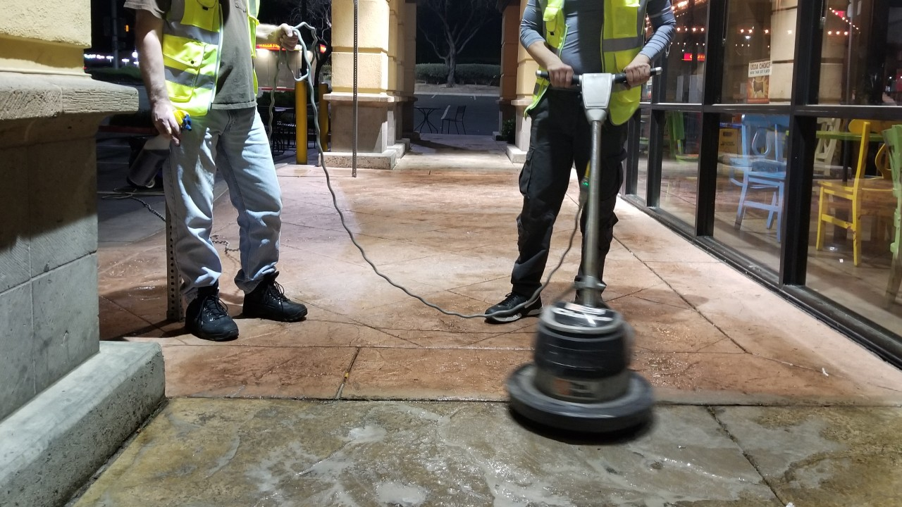 pressure-washing-cafe-rio-storefront-and-siding--cleaning-01